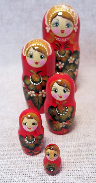 Матрешка Аленка красная, 5 мест, №41