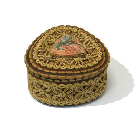 Шкатулка берестяная с яшмой