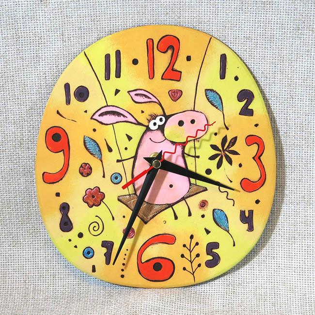 Часы Свинка на качелях