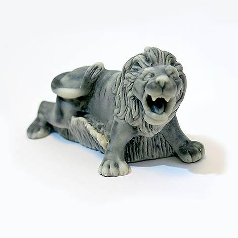 Лев рычащий
