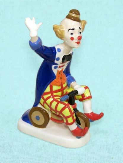 Клоун на велосипеде, Ф