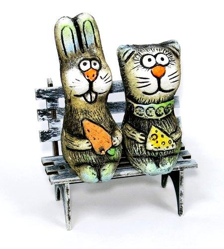 Кот и заяц на скамейке мини, KN 00-119